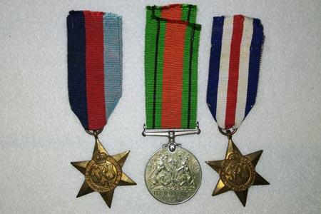 Skup medali, odznak, odznaczeń, wpinek, przypinek, orzełków, naszywek – Warszawa